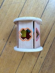 b91: wooden shape sorter