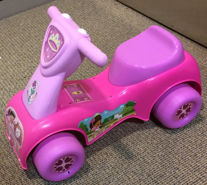 400: Fisher Price Little People Push N' Scoot Princess Ride-On