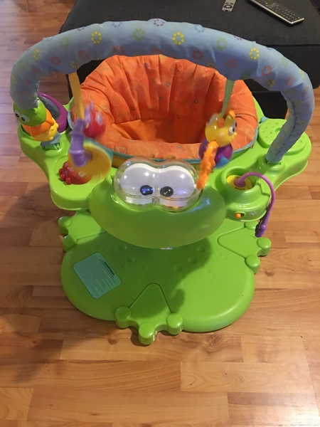 1198: Baby Activity Station