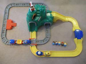 341G: Little Tikes Peak Road And Rail Set No 2 (with red wharf)