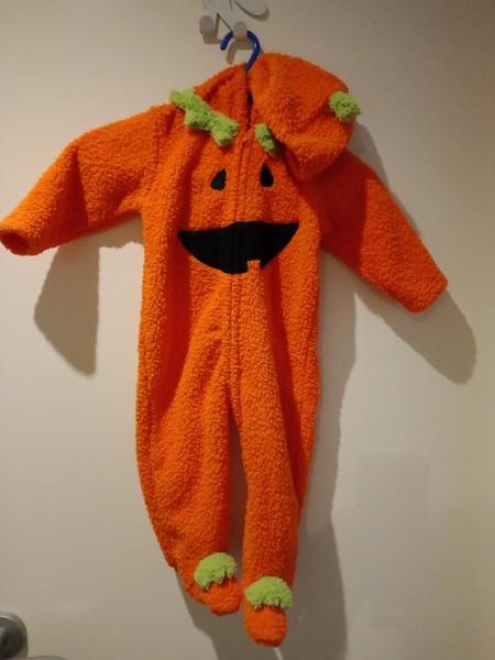 421: Pumpkin jumpsuit for baby