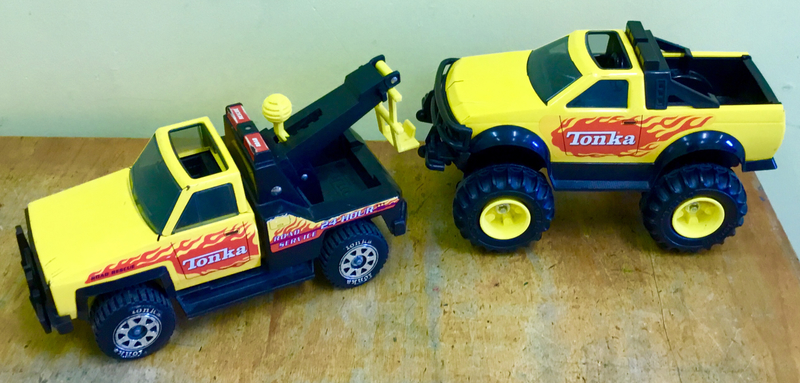 864: Tonka Tow Truck and 4WD