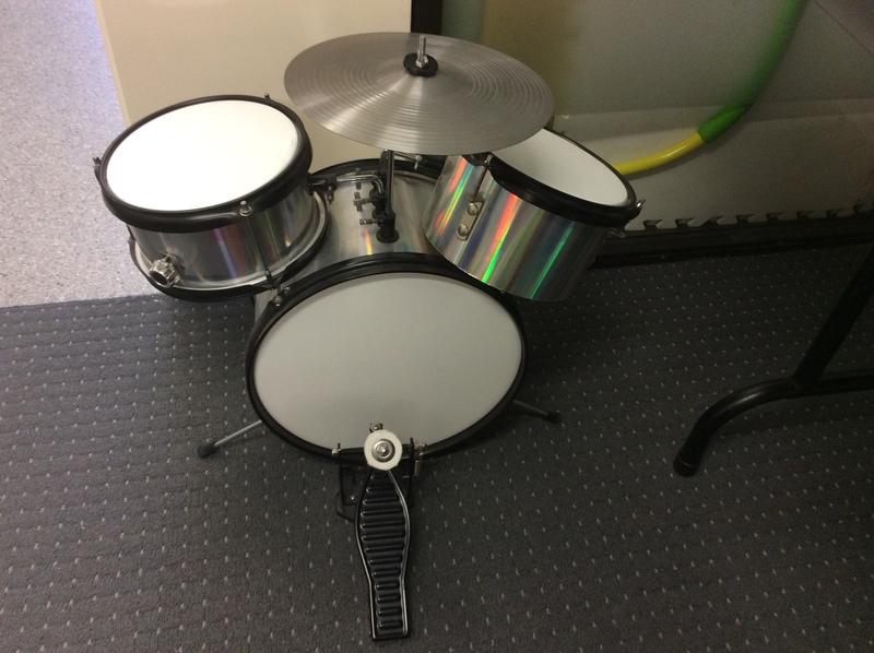 0674: Drum kit