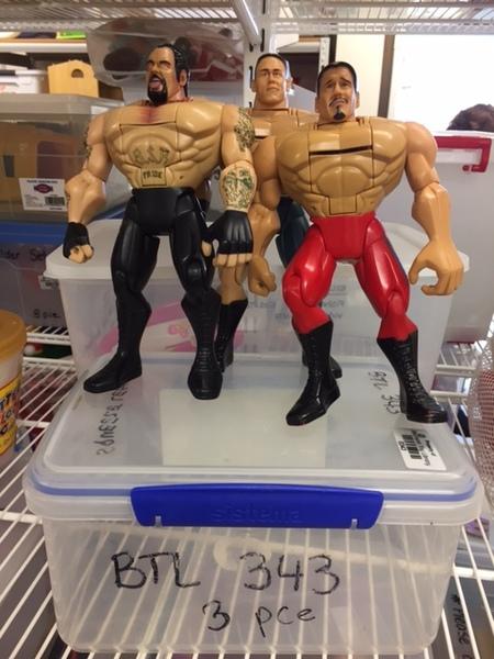 0343: Wrestlers x 3