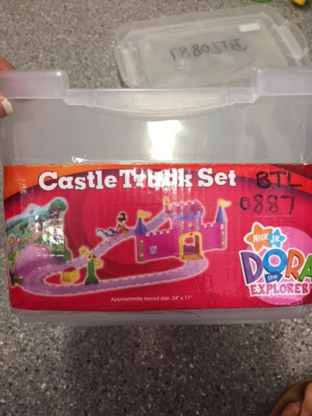 0887: Dora Castle Track Set