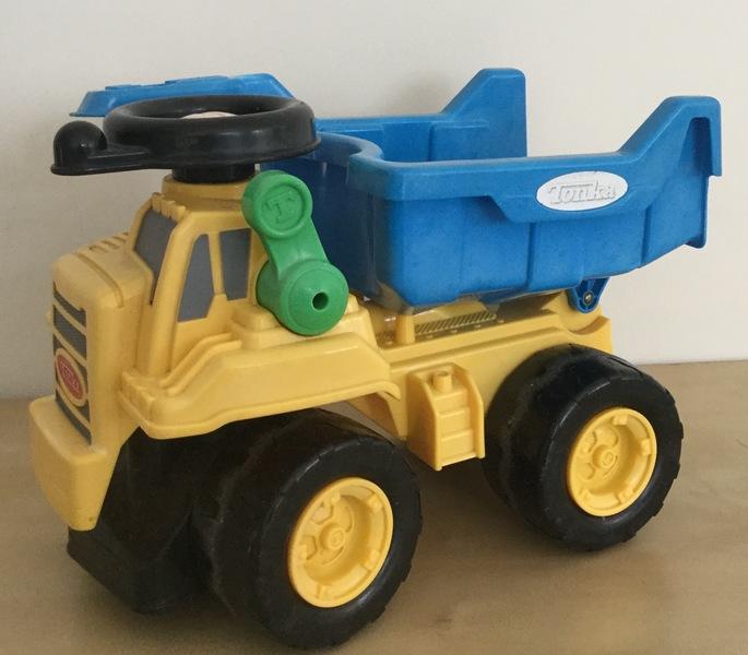 0439: Tonka Dump Truck
