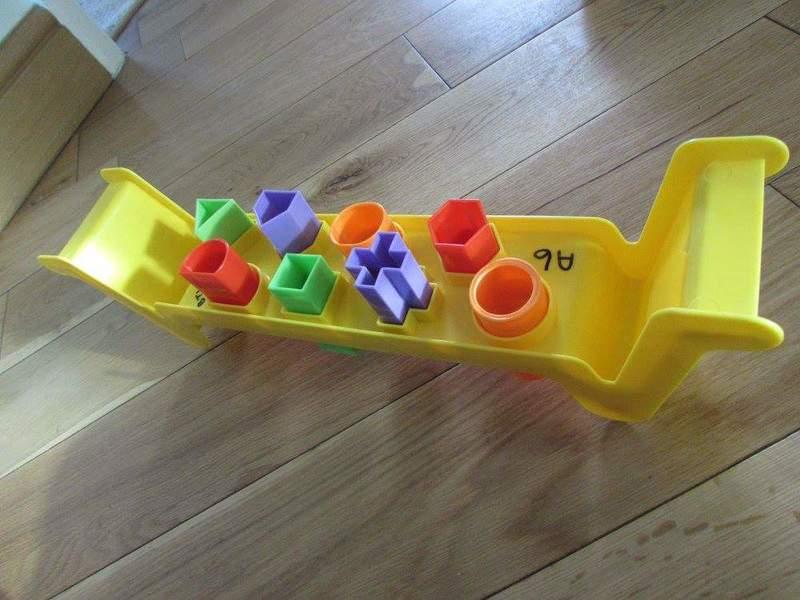 a6: bench shape sorter