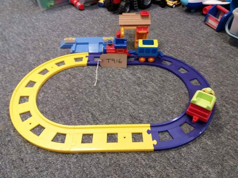 T916: Train set