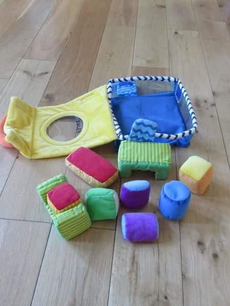 b3042: Soft Shape Suitcase