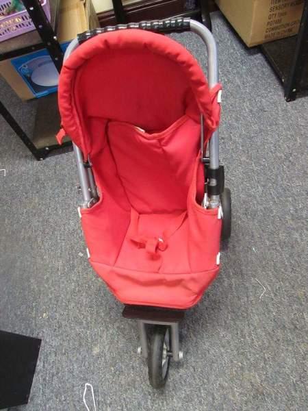 bb3074: Red 3 Wheel Pushchair