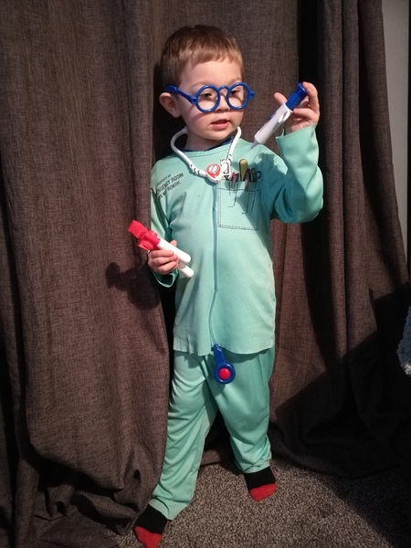 T606: Surgeons Dressing up Outfit