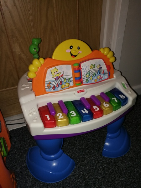 AG13: fisher price piano