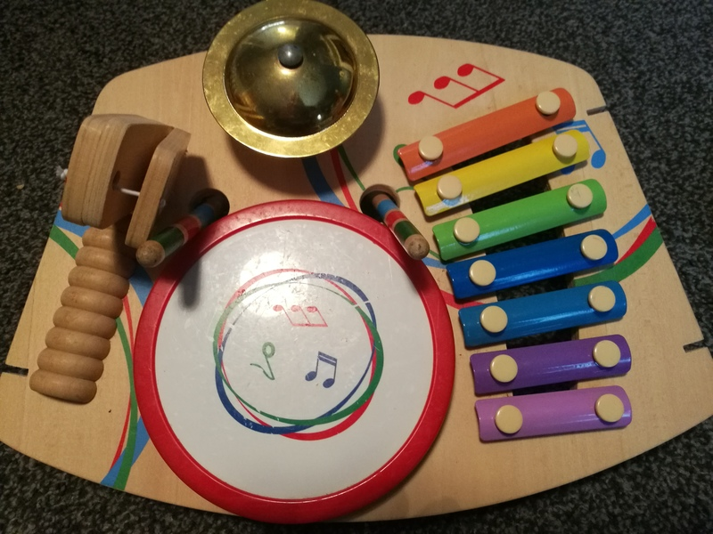 mu 3: wooden music station