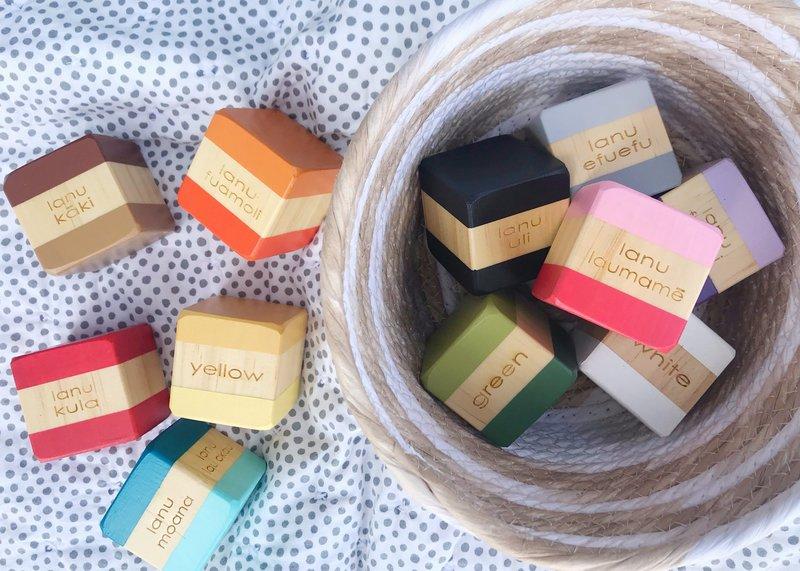 763: Bilingual colour blocks