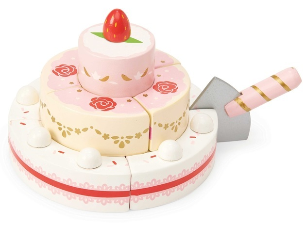 583: Strawberry wedding cake