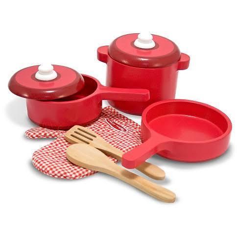 342: Wooden Kitchen set