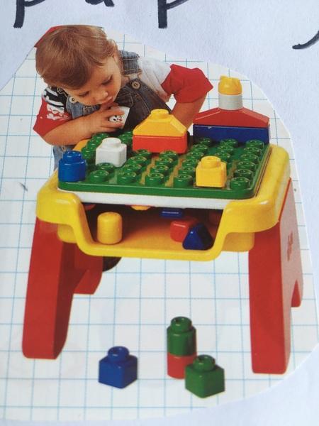 531: Flip & play table