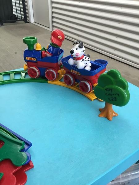 233: Tolo train set