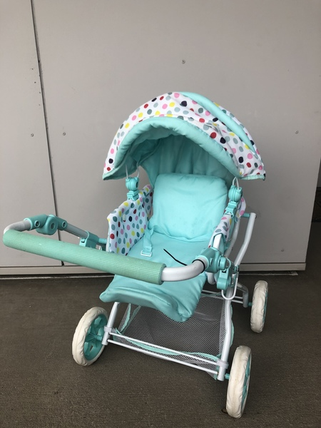 142: Stroller light green dotted