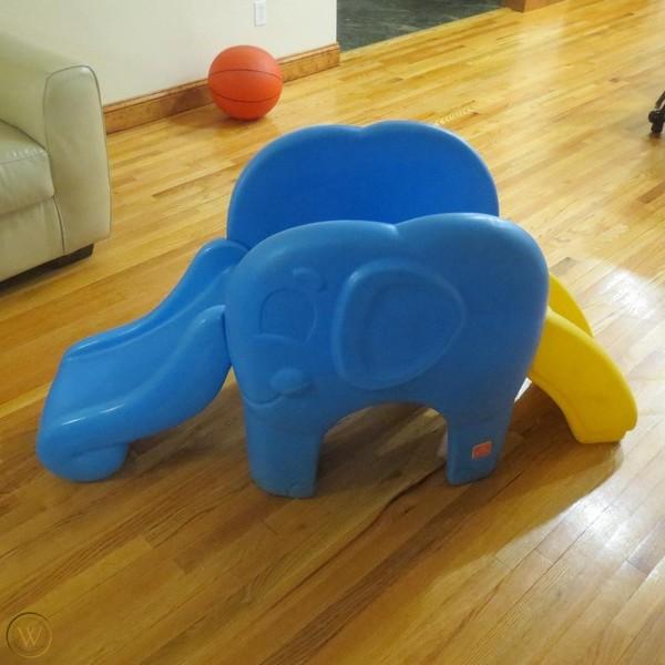 A1023: ELEPHANT SLIDE