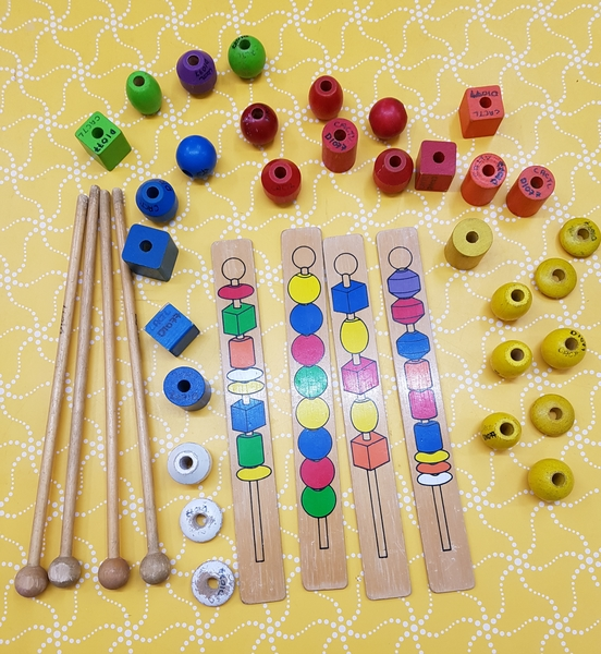D1077: SEQUENCE WITH BEADS