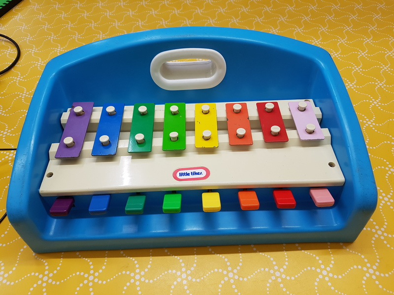 D1078: BLUE PIANO/XYLOPHONE
