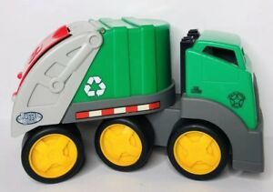 E5056: RUGGED RIGZ GARBAGE TRUCK