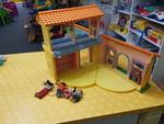 E4069: LARGE DOLLS HOUSE