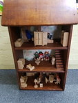 E6007: WOODEN DOLLS HOUSE WITH FURNITURE