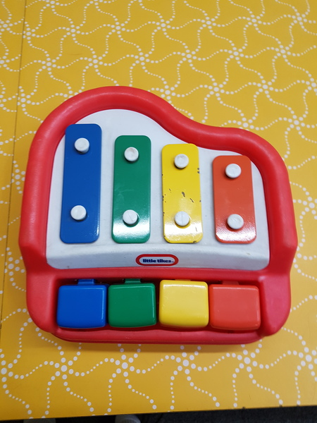 D5022: BABY TAP A TUNE PIANO