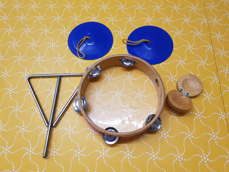 D1032: PERCUSSION SET