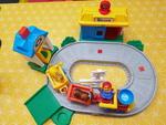 E1231: Little People Pop N' Surprise Train