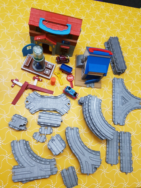 E1271: ENGINE WASH & WORKS PLAYSET
