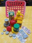 E1283: GROCERY BASKET & MONEY