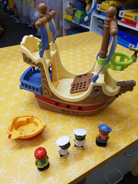 E1274: PIRATE SHIP