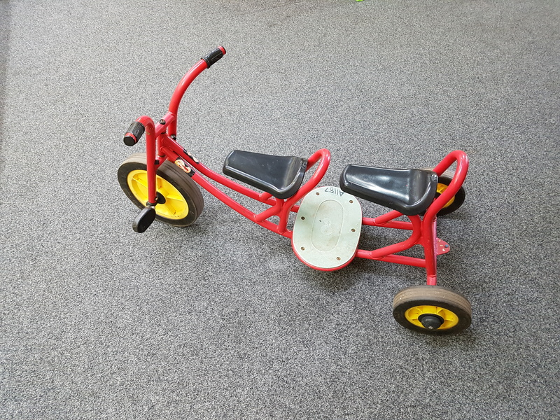 A1187: TAXI DOUBLE SEATER TRIKE