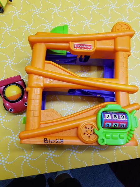 B1028: BABY RACING CAR RAMP