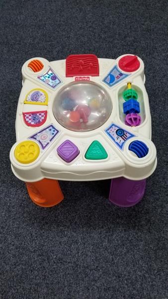 B1103: BABY ACTIVITY TABLE