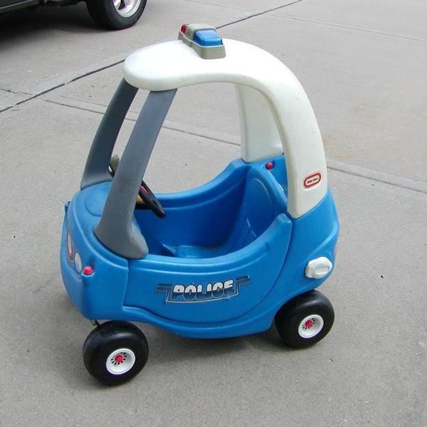 A1234: LITTLE TIKES POLICE CAR