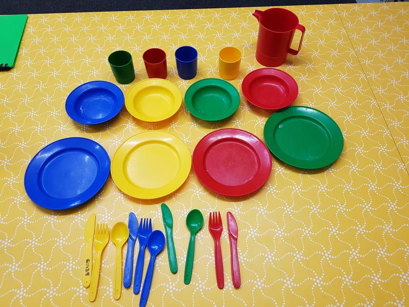 E1438: Dinner Set