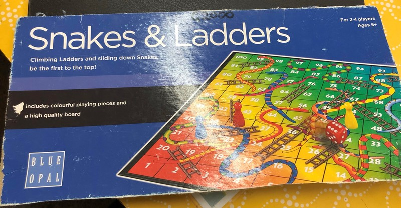 G2000: SNAKES AND LADDERS