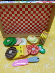 E1452: WOODEN SANDWICH MAKING SET