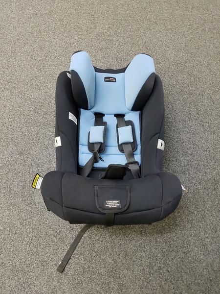 CS120: HARNESSED CAR SEAT