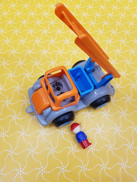 E0004: JUMBO FIRE TRUCK