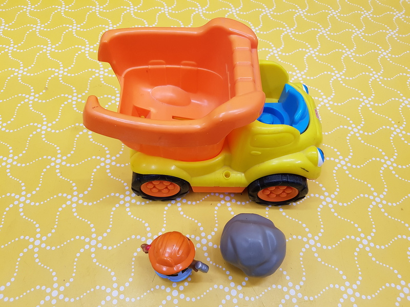 E0109: Little people dump Truck
