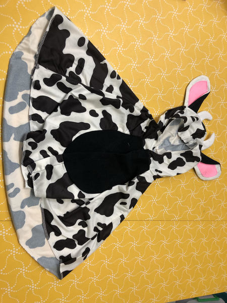 D0003: Cow Dress up Cape