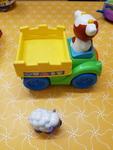 B2104: Press and Go Farm Truck