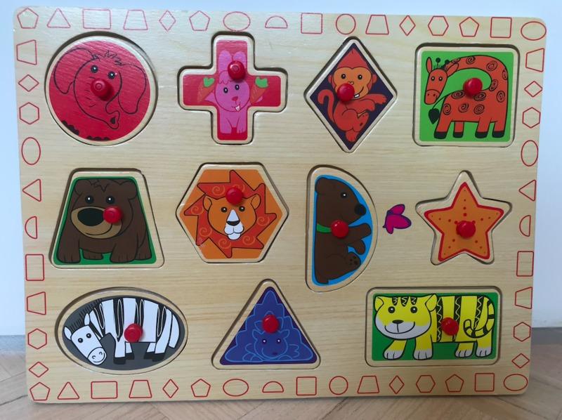 P70: Wooden Knob Puzzle, Shapes & Animals