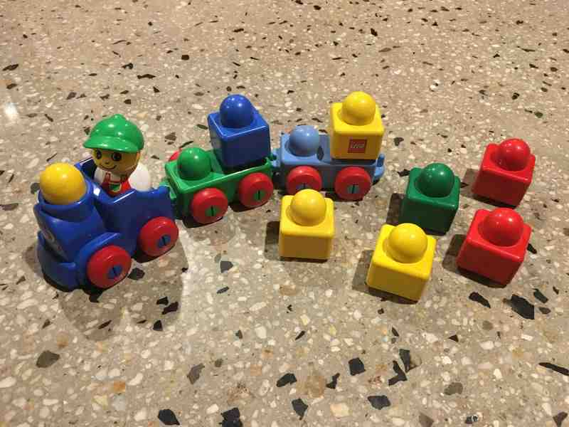 B58: LEGO BLOCK TRAIN - 11 PCS
