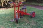 P774: TRICYCLE RED